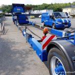 Leerer Schwertransportauflieger mit Scania Zugmaschine der Bootswerft Baumgart