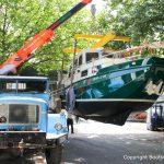 Verladung für den Transport einer St. Josephs Vleet nach Komplettrefit auf dem Werftgelände der Bootswerft Baumgart in Dortmund