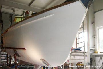 Bug einer Vilm 106 beim Refit in der Werfthalle der Bootserft Baumgart in Dortmund