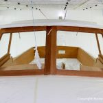 Kajütdach beim Refit einer Vilm 106 in der Lackierkabine der Bootswerft Baumgart in Dortmund
