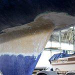 Reparatur des Kiels der LM 28 Segelyacht auf dem Werftgelände der Bootswerft Baumgart in Dortmund
