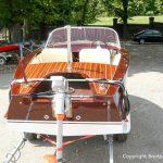 Heck eines Boesch Junior Motorboots nach der Restauration auf dem Werftgelände der Bootswerft Baumgart in Dortmund