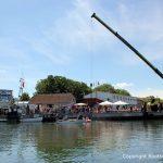 Autokran bei der Bergung der Riva Super Aquarama durch die Bootswerft Baumgart